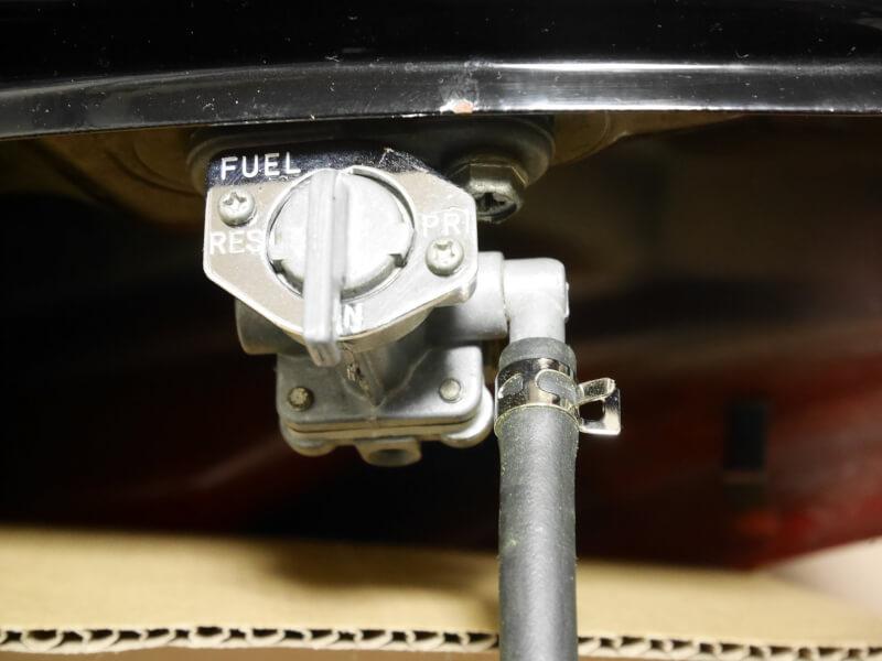 カワサキ・エストレヤRSの負圧ホース(バキュームホース) とガソリンホース(フューエルホース)の交換