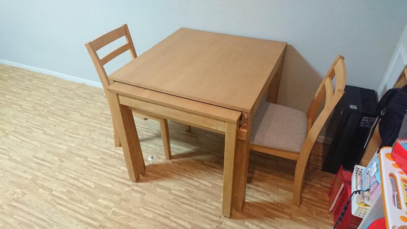 【DIY】スライドして伸ばせば4人掛けできるダイニングテーブルが便利でオススメ【組み立て】