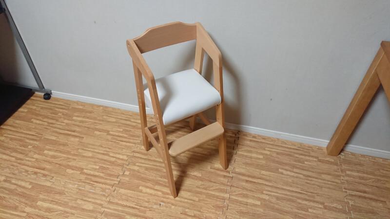 娘の椅子を購入♪「おしゃれで組み立て簡単なキッズハイチェア」