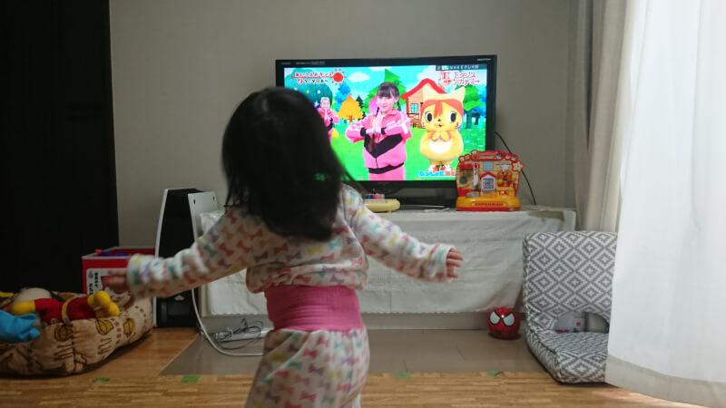 我が家の娘の最近のお気に入りの遊び♪「お馬さんごっこ」「ダンス」
