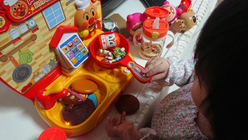バズを料理しちゃう我が家の娘!アンパンマンキッチンでどんな料理を作っているの?