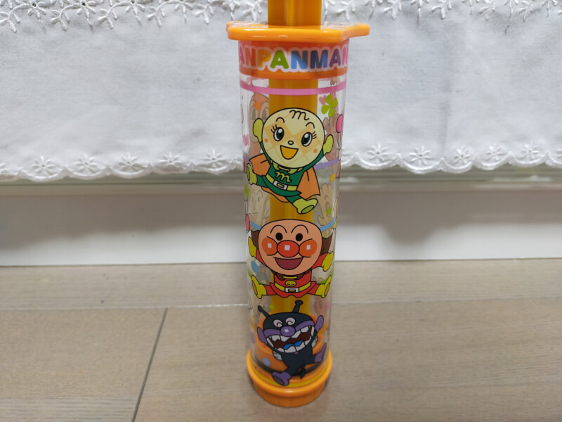 【水遊び】かわいいアンパンマンの水鉄砲♪子供でも簡単に押し出せます♪【お風呂で遊んでレビュー】