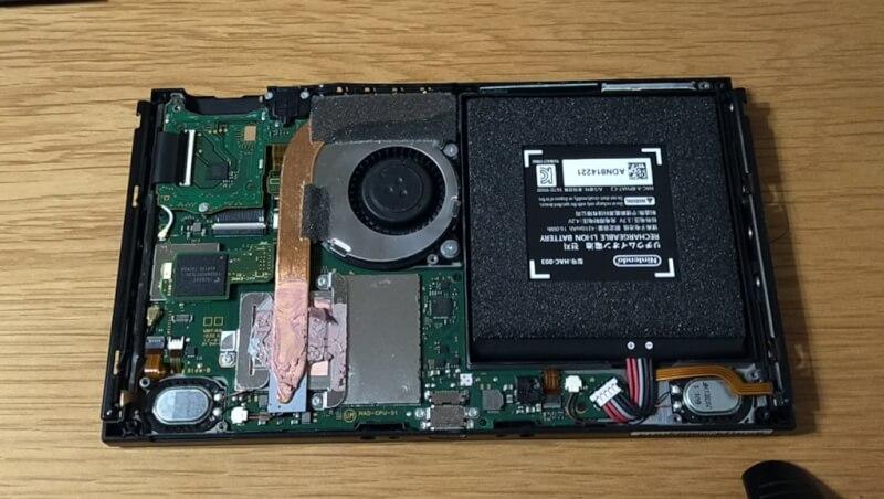 【ニンテンドースイッチの画面割れ・液晶画面とタッチパネルの交換修理方法】自分で修理できました♪【後編】