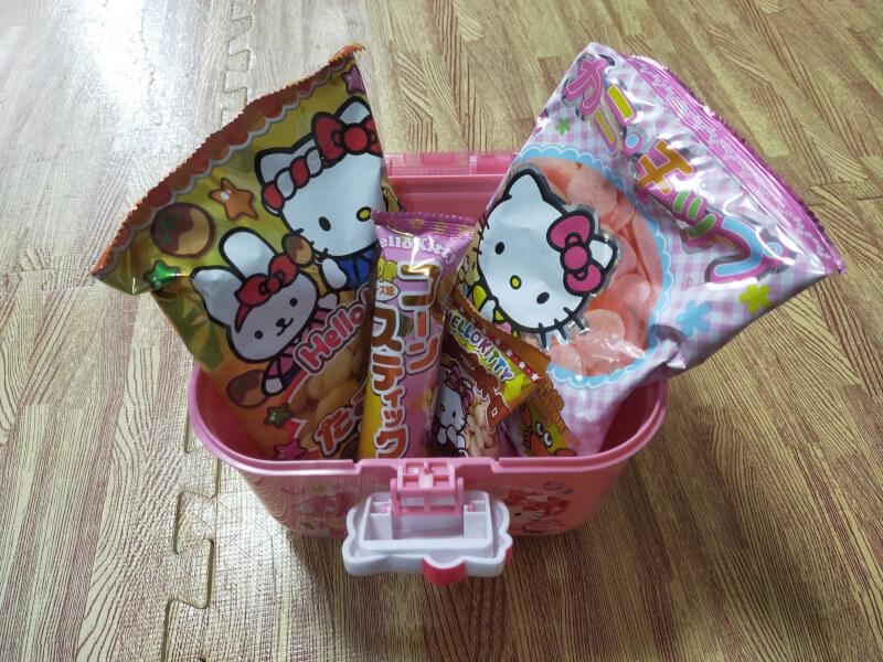 【ハローキティ】キティちゃんのかわいいお菓子ボックスの紹介