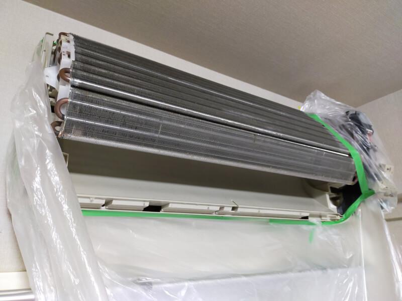 【DIY】エアコンの分解洗浄を自分でやってみました♪エアコンクリーニングに初挑戦!【年末の大掃除】