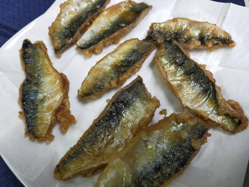 サゴシ(サワラ)をはじめて捌いて料理に挑戦!美味さに感動!?【ショアジギで人気の魚種】サバの唐揚げ