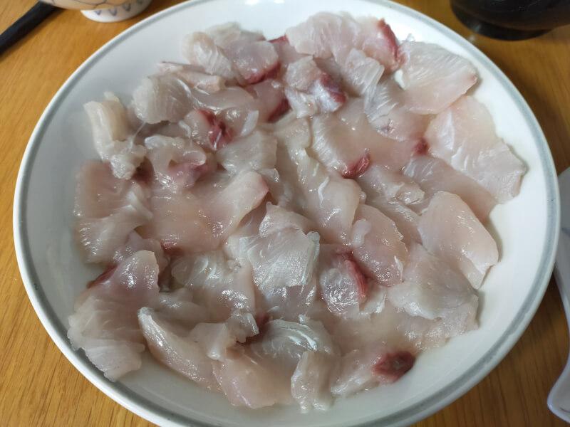 サゴシ(サワラ)をはじめて捌いて料理に挑戦!美味さに感動!?【ショアジギで人気の魚種】刺し身