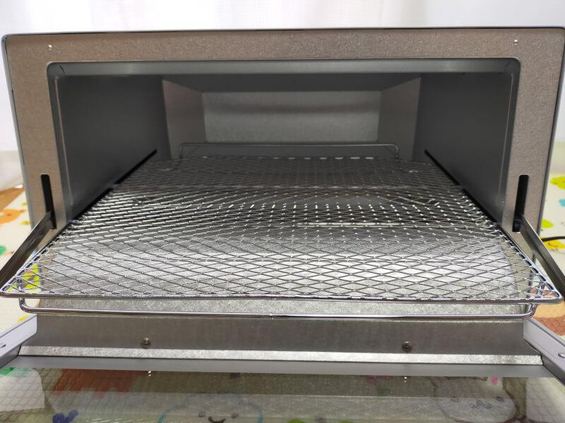【レビュー】タイガー魔法瓶(TIGER)のオーブントースターが使いやすくておすすめ♪【KAM-R130WM】落下防止の細かい焼き網