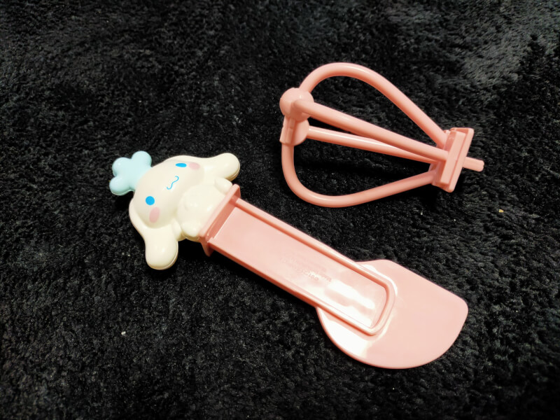 【シナモロール】ハッピーセットのおもちゃの紹介♪おままごとで遊んでみた♪【マクドナルド】「シナモロールの泡立て器&へらセット」
